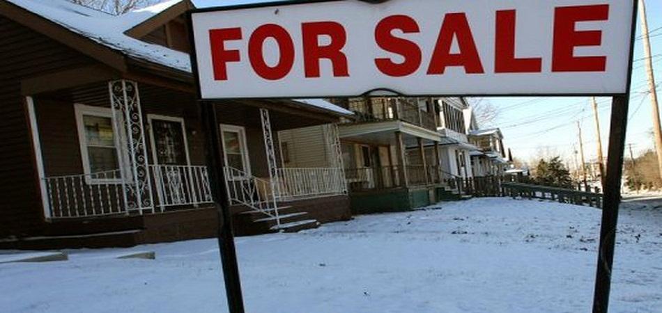 Pourquoi mettre un panneau à vendre devant sa maison ?